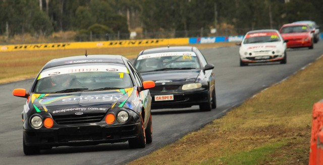 Cowham Sweeps to Victory at QR: 2016 Round 3 Review